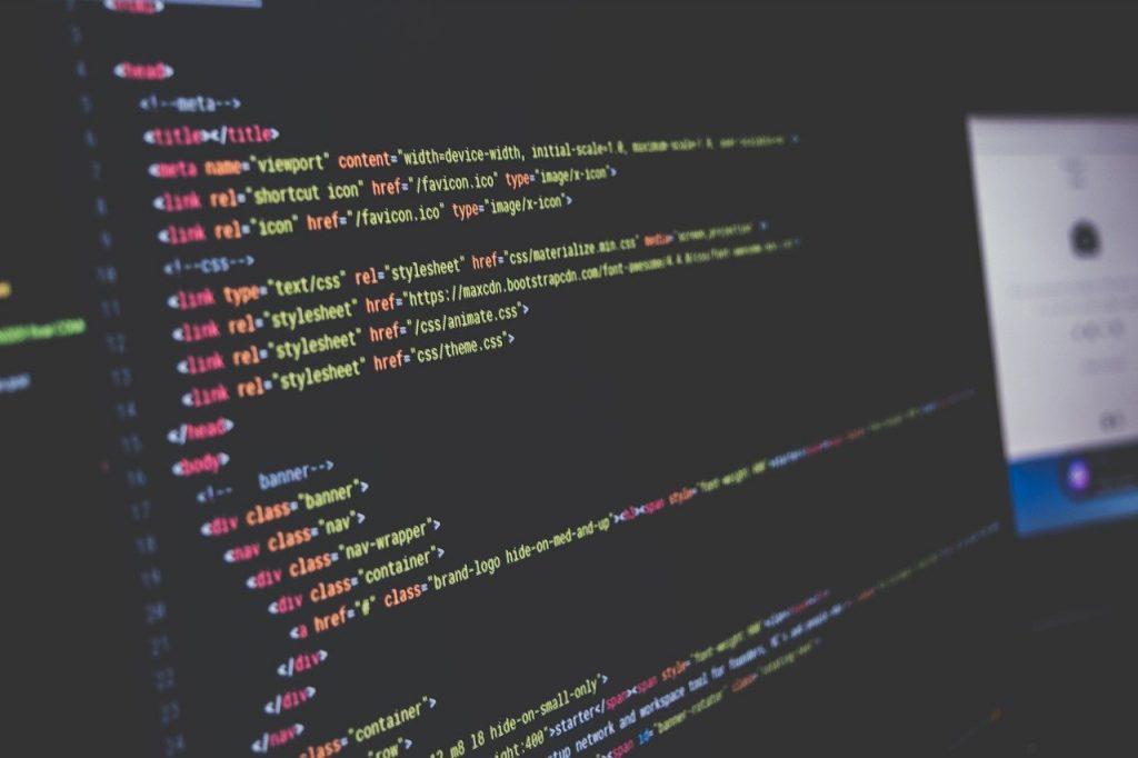lignes de code sur un écran d'ordinateur