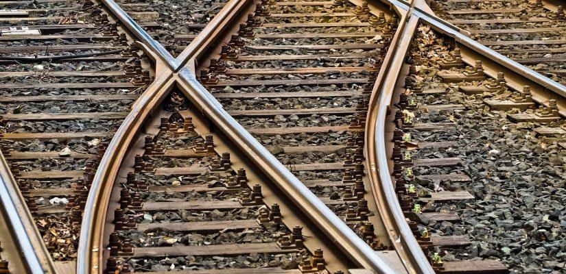 rails qui se croisent